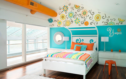 Room of the Day: Wall Flowers Dance in a Girl's Bedroom