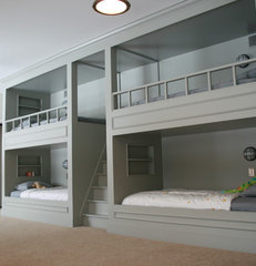 traditional kids boy bunk room