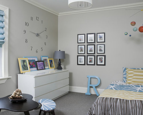 trendy teen room photo in chicago with gray walls and carpet