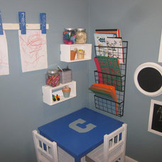 Traditional Kids Boys' bedroom