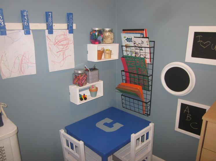 Traditional Kids Boys' bedroom