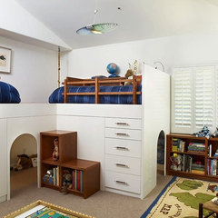 contemporary kids by Erica Islas  / EMI Interior Design, Inc.