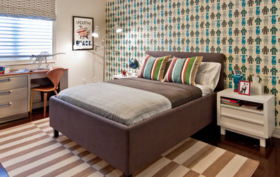 Expert Talk: Spice Up the Bedroom With Wallpaper