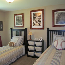 Traditional Kids by Crown Homes Construction Inc.