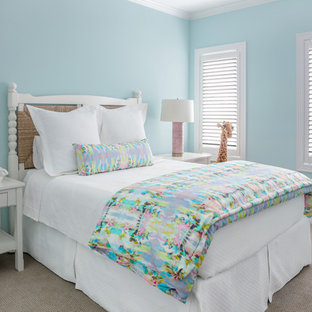 Kids' room - traditional carpeted and gray floor kids' room idea in Houston with blue walls