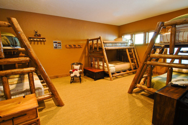 Traditional Kids by Mountain Log Homes of CO, Inc.