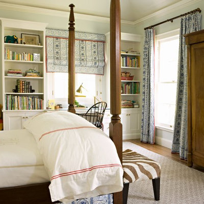 Example of a classic gender-neutral kids' room design in Los Angeles with gray walls