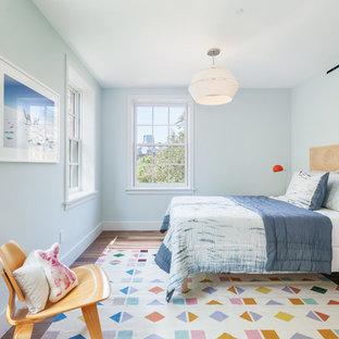 Foto de dormitorio infantil clásico renovado con paredes azules