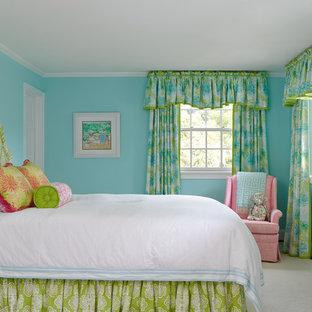 Bild på ett vintage flickrum kombinerat med sovrum och för 4-10-åringar, med blå väggar