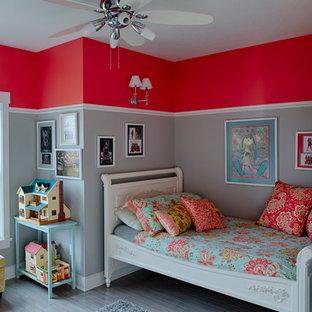 На фото: детская в стиле современная классика с спальным местом и серыми стенами для ребенка от 4 до 10 лет, девочки с