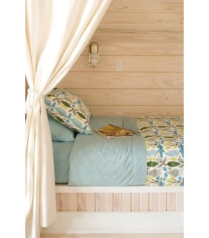 Beach Style Kids by Tracery Interiors