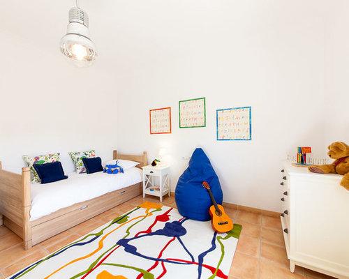 imagen de dormitorio infantil de a aos mediterrneo de tamao medio