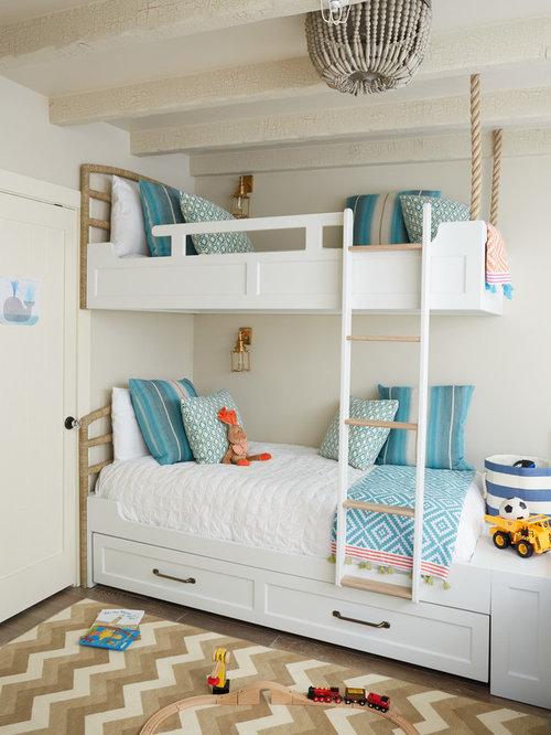 Chambre d 39 enfant bord de mer avec un mur gris photos et - Deco bord de mer pour chambre ...