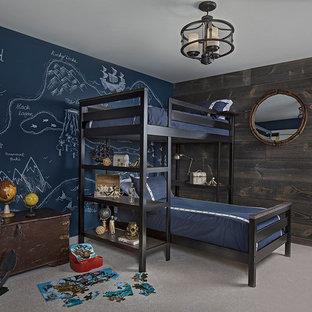 Modelo de dormitorio infantil de 4 a 10 años, tradicional renovado, con paredes multicolor y moqueta