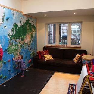Climbing wall - world map mural