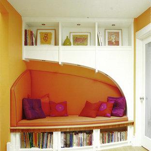 Inspiration för eklektiska barnrum, med orange väggar