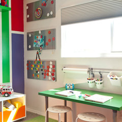 modern kids by Kropat Interior Design