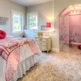 Foto de dormitorio infantil de 4 a 10 años, de estilo americano, de tamaño medio, con paredes beige y moqueta