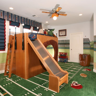 Example of a classic boy kids' room design in Other