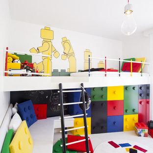На фото: детская в современном стиле с игровой комнатой с