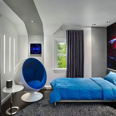 Small trendy boy dark wood floor kids' room photo in Philadelphia with multicolored walls