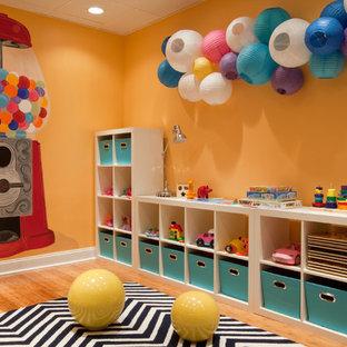 Свежая идея для дизайна: детская в современном стиле - отличное фото интерьера