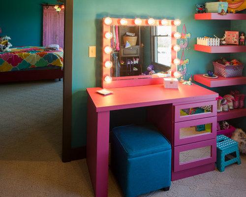 Chambre d 39 enfant romantique avec un mur bleu photos et for Chambre enfant romantique