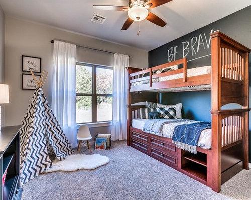 Neutrales Klassisches Kinderzimmer Mit Schlafplatz, Beiger Wandfarbe,  Teppichboden Und Beigem Boden In Oklahoma City
