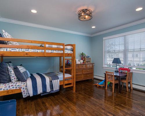 Kidsu0027 Bedroom   Traditional Boy Dark Wood Floor And Brown Floor Kidsu0027  Bedroom Idea