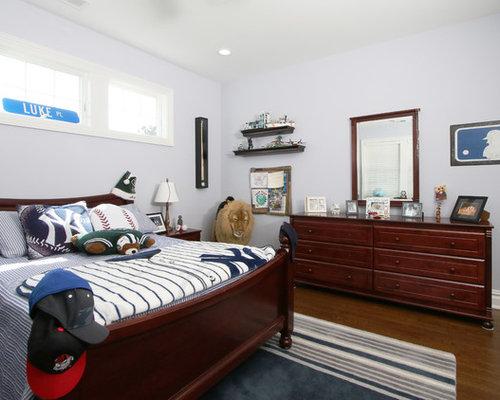 Traditional teen boys room