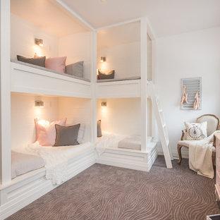 Diseño de dormitorio infantil de 4 a 10 años, contemporáneo, grande, con paredes blancas, moqueta y suelo gris