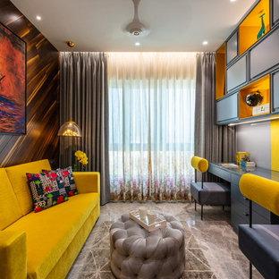 Inspiration för mellanstora moderna könsneutrala tonårsrum kombinerat med skrivbord, med grå väggar, marmorgolv och beiget golv