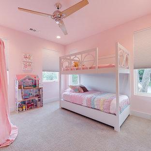 Idéer för ett modernt barnrum kombinerat med sovrum, med rosa väggar