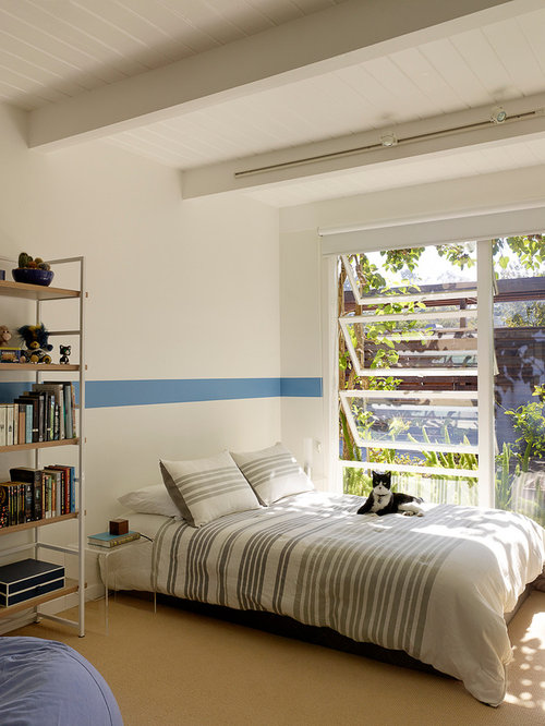 track lighting bedroom houzz 19976 | 5fd1a266048632f4 0189 w500 h666 b0 p0 midcentury kids
