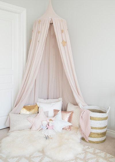 Classique Chic Chambre d'Enfant by WINTER DAISY: interiors for children