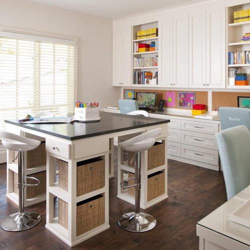 Example Of A Classic Kidsu0027 Room Design In Dallas