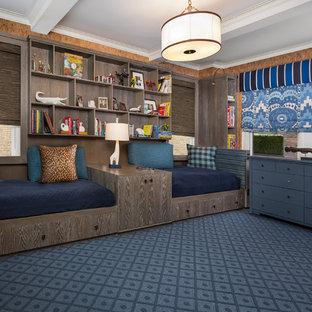Diseño de dormitorio infantil de 4 a 10 años, bohemio, de tamaño medio, con suelo azul, moqueta y paredes marrones
