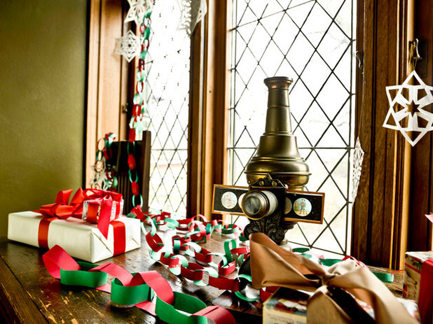 Traditional Kids Experience the Holidays at Frank Lloyd Wright's Home and Studio