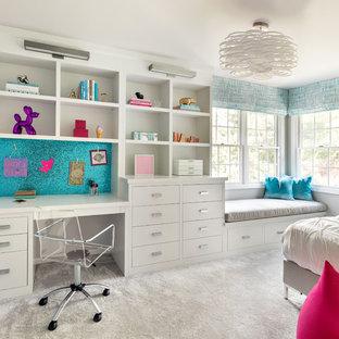 Foto de dormitorio infantil clásico renovado con paredes grises, moqueta y suelo gris