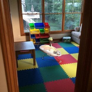 Esempio di una cameretta per bambini da 1 a 3 anni stile americano di medie dimensioni
