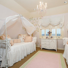 Traditional Kids by Carrie Roby Interiors, LLC