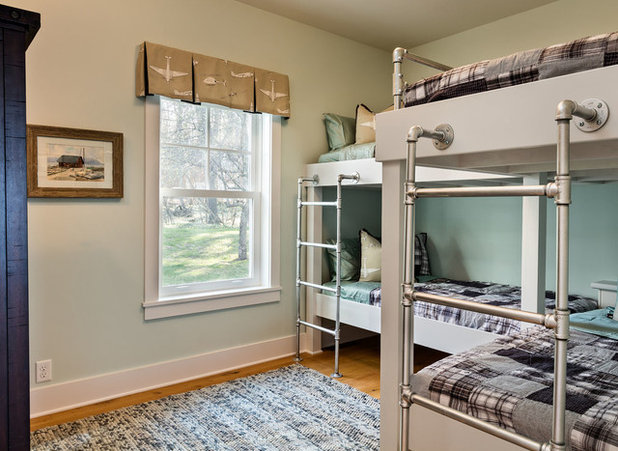 Houzz Tour: Classic Lake Cottage Style for a Vacation House