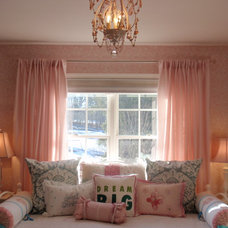 Traditional Kids Girl's Bedroom