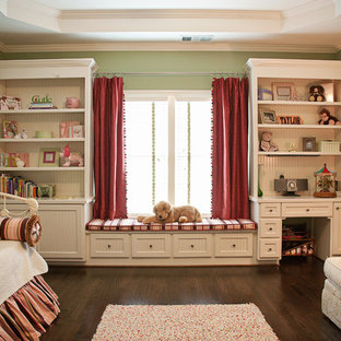 Girl's Bedroom in Pink and Green