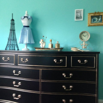 Girl's French Paris themed bedroom