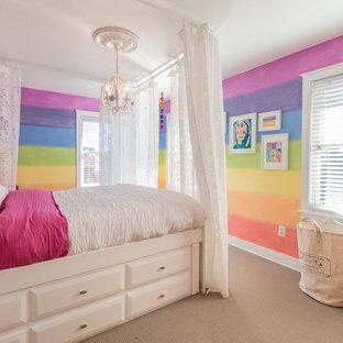 Идея дизайна: детская среднего размера в стиле современная классика с спальным местом, разноцветными стенами и ковровым покрытием для ребенка от 4 до 10 лет, девочки