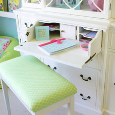 Traditional Kids Girls Room