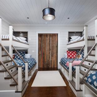 Diseño de dormitorio infantil de 4 a 10 años, tradicional renovado, con paredes blancas