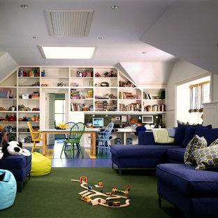 Inspiration pour une très grande chambre d'enfant de 4 à 10 ans traditionnelle avec un mur blanc, un sol en linoléum et un sol bleu.