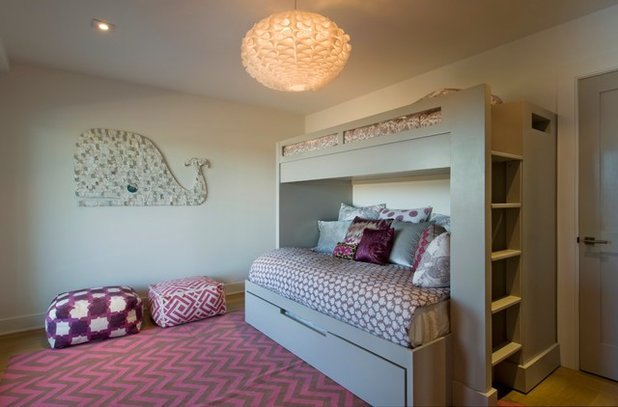 Beach Style Kids by DHD Architecture and Interior Design